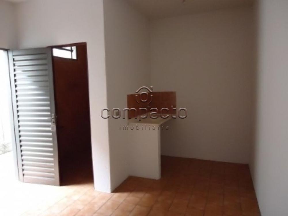 Alugar Apartamento / Kitnet em São Carlos apenas R$ 440,00 - Foto 3