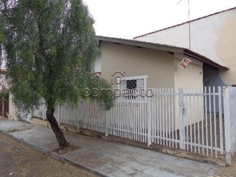 Alugar Casa / Padrão em São Carlos apenas R$ 890,00 - Foto 1