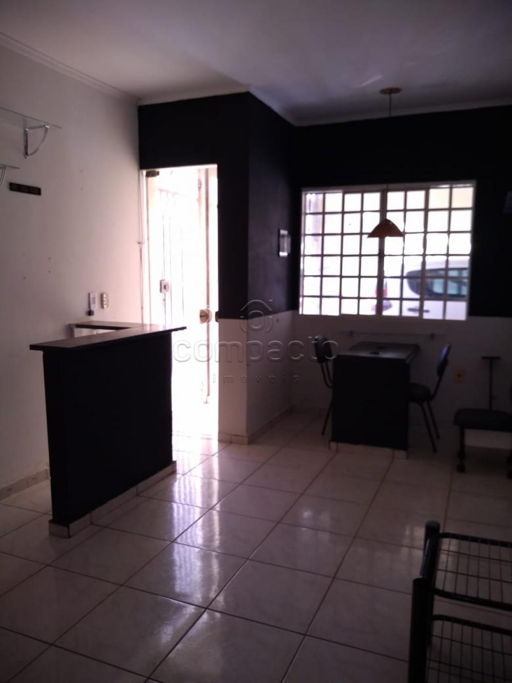 Alugar Casa / Padrão em São José do Rio Preto apenas R$ 1.600,00 - Foto 1