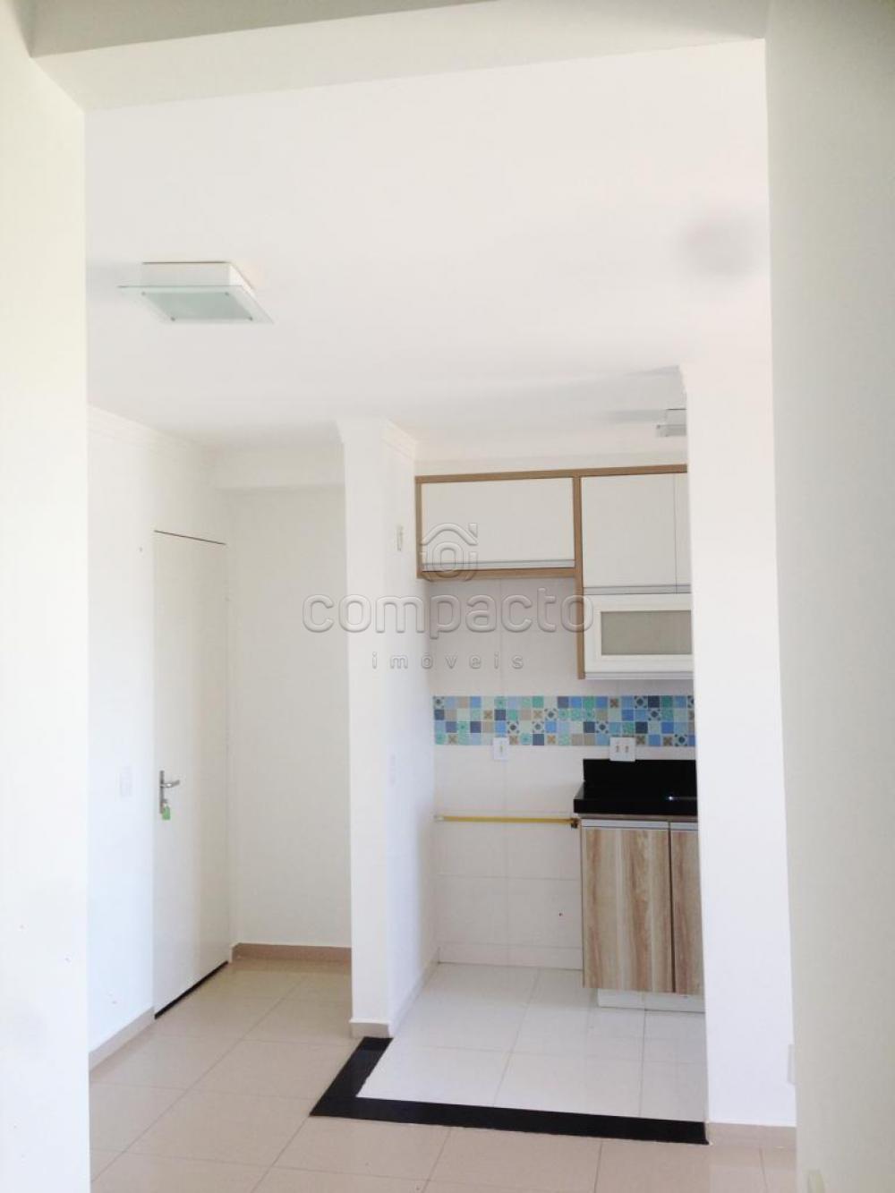 Comprar Apartamento / Padrão em São José do Rio Preto apenas R$ 240.000,00 - Foto 4