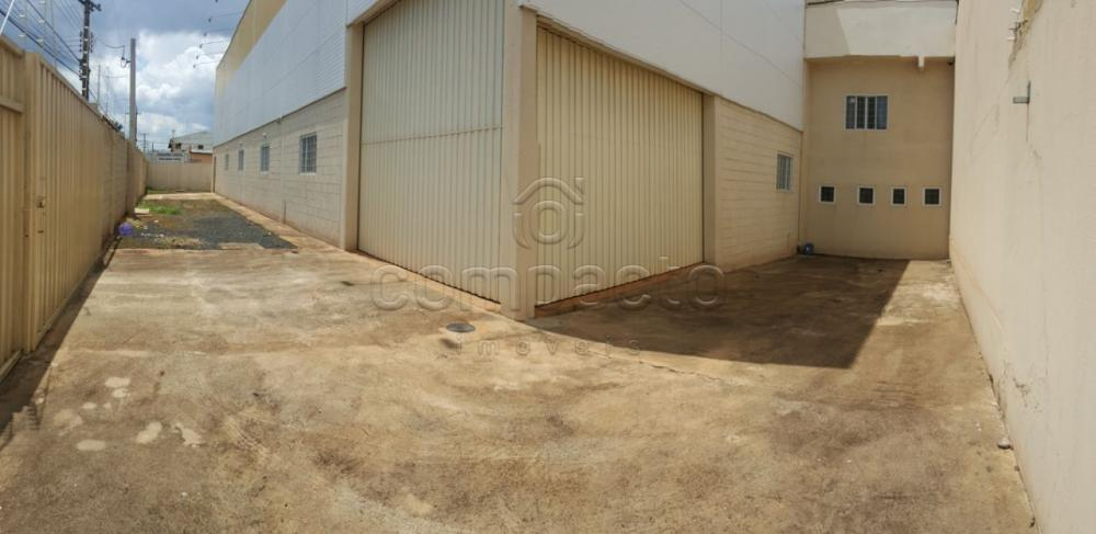 Alugar Comercial / Barracão em São José do Rio Preto apenas R$ 15.000,00 - Foto 17