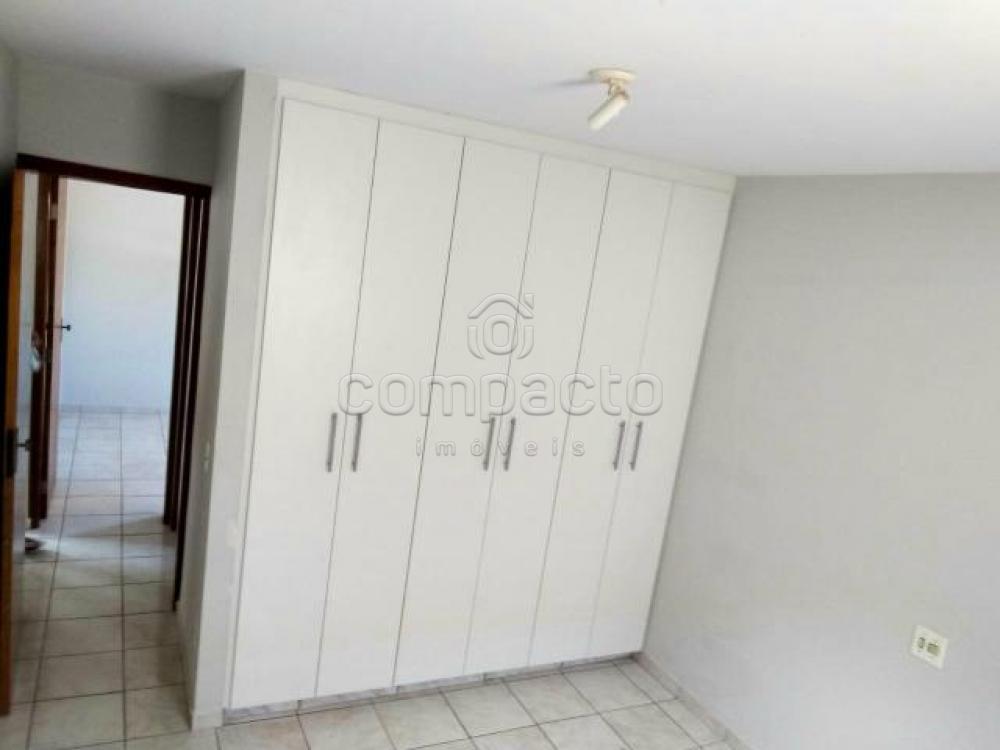 Alugar Apartamento / Padrão em São José do Rio Preto apenas R$ 720,00 - Foto 3