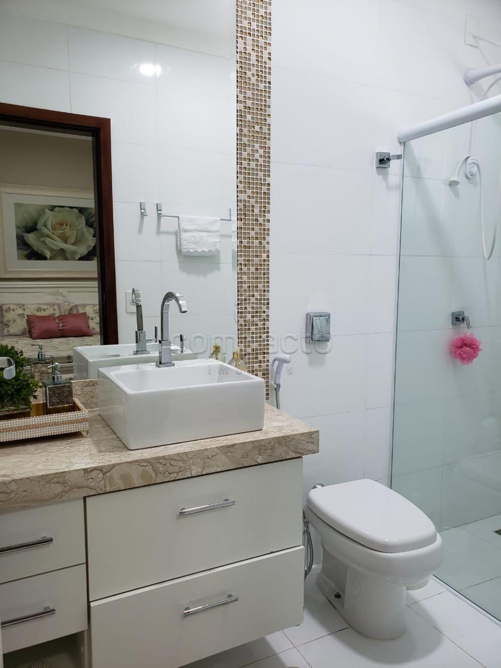 Comprar Casa / Padrão em São José do Rio Preto apenas R$ 740.000,00 - Foto 17