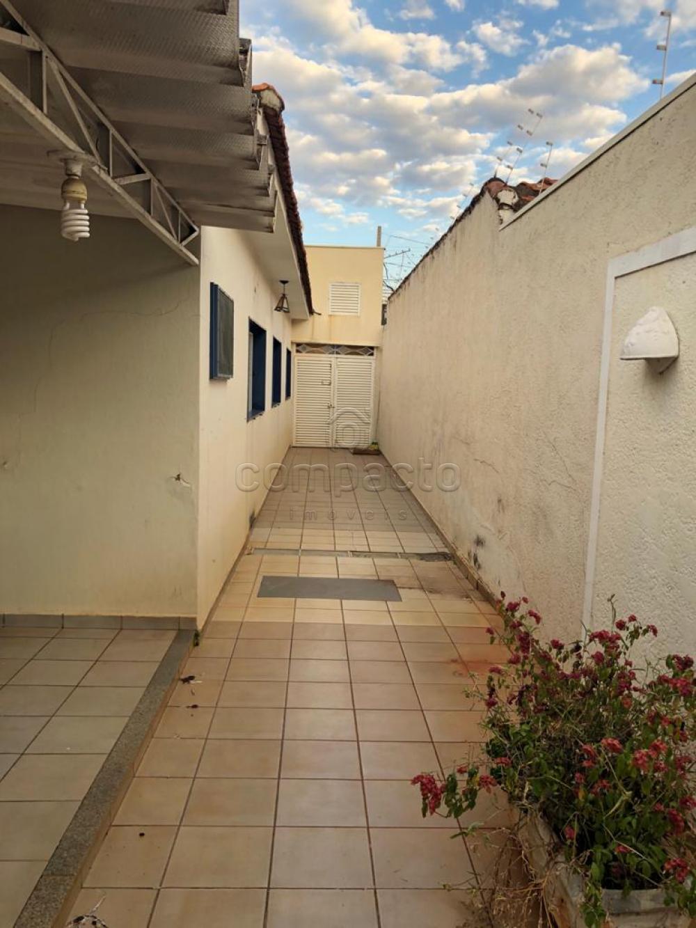 Alugar Casa / Padrão em São José do Rio Preto apenas R$ 2.200,00 - Foto 3