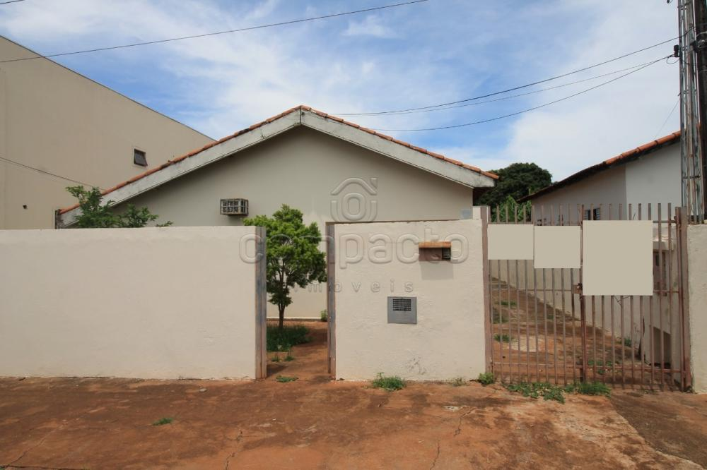 Alugar Casa / Padrão em São José do Rio Preto apenas R$ 1.200,00 - Foto 1
