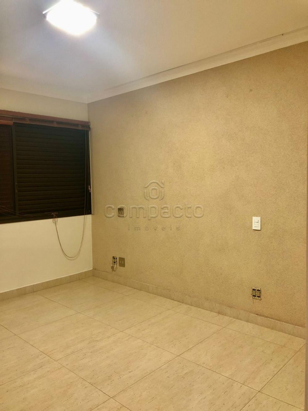 Alugar Apartamento / Padrão em São José do Rio Preto R$ 2.500,00 - Foto 9