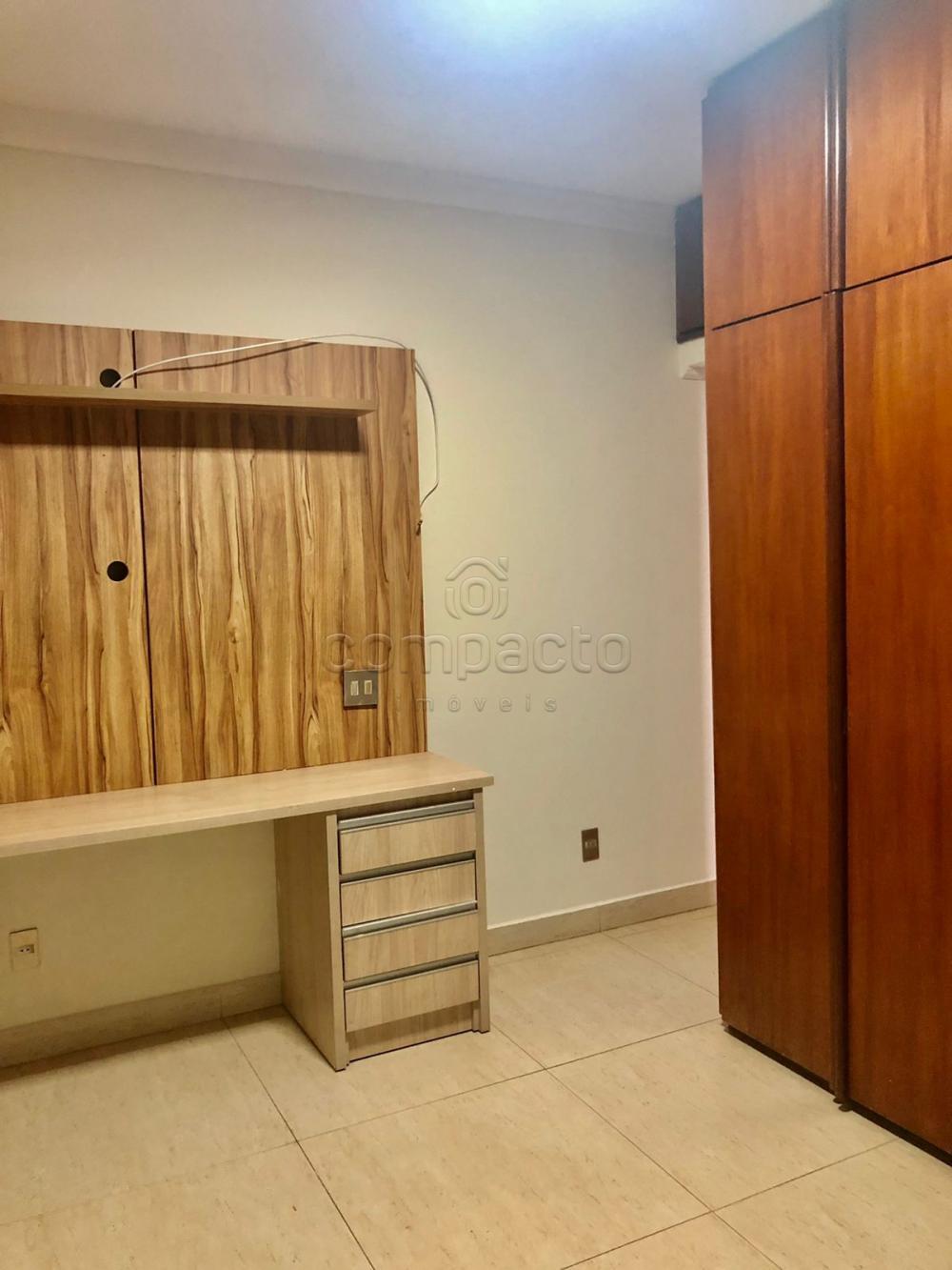 Alugar Apartamento / Padrão em São José do Rio Preto R$ 2.500,00 - Foto 14