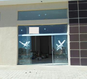 Alugar Comercial / Salão em São José do Rio Preto. apenas R$ 1.300,00