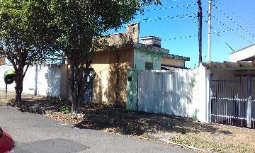 Casa / Padrão em São Carlos Alugar por R$778,00