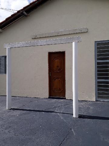 Alugar Casa / Padrão em São José do Rio Preto. apenas R$ 600,00