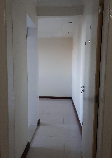 Alugar Apartamento / Padrão em São Carlos. apenas R$ 770,00