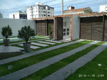 Alugar Apartamento / Padrão em Cabedelo. apenas R$ 285.000,00