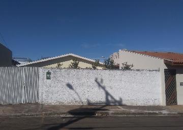 Casa / Padrão em São Carlos Alugar por R$900,00