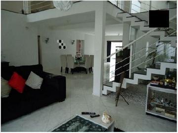 Alugar Casa / Sobrado em Bauru. apenas R$ 890.000,00