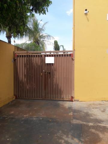 Alugar Casa / Padrão em São José do Rio Preto. apenas R$ 1.000,00