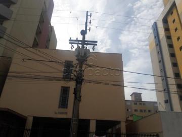 Apartamento / Kitnet em São Carlos Alugar por R$750,00