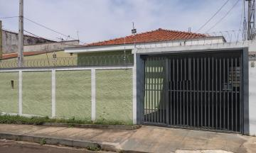 Casa / Padrão em São Carlos Alugar por R$1.600,00