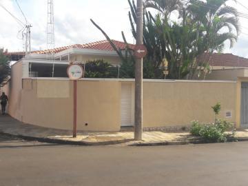 Casa / Padrão em São Carlos Alugar por R$2.780,00