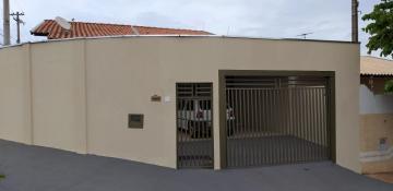 Casa / Padrão em São José do Rio Preto Alugar por R$1.250,00