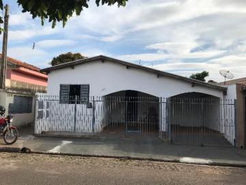 Alugar Casa / Padrão em Nova Granada. apenas R$ 320.000,00