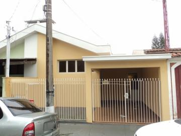 Casa / Padrão em São Carlos Alugar por R$1.670,00