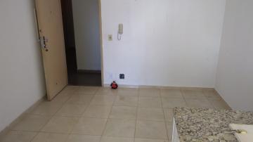 Apartamento / Padrão em São José do Rio Preto Alugar por R$390,00