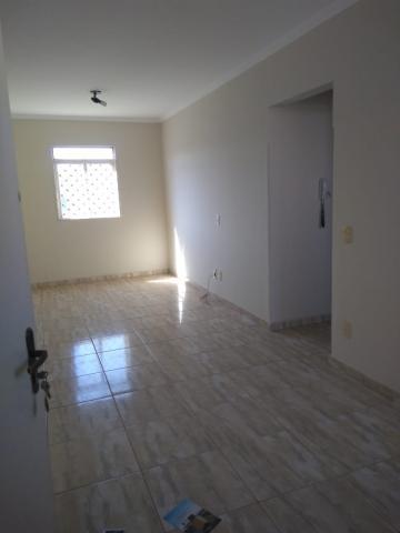 Apartamento / Padrão em São José do Rio Preto Alugar por R$600,00