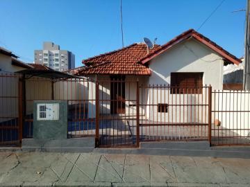 Alugar Casa / Padrão em São José do Rio Preto. apenas R$ 650,00
