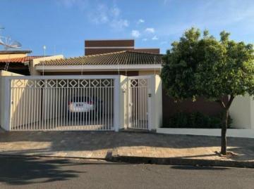 Casa / Padrão em Mirassol , Comprar por R$395.000,00