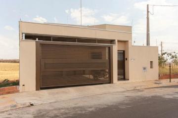 Casa / Padrão em Mirassol , Comprar por R$285.000,00