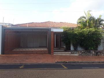 Casa / Padrão em São José do Rio Preto Alugar por R$2.600,00