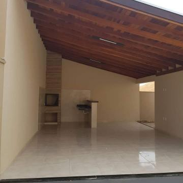Alugar Casa / Padrão em Fernandópolis. apenas R$ 446.000,00