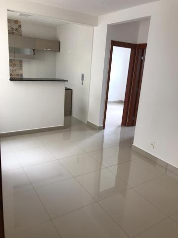 Alugar Apartamento / Padrão em São José do Rio Preto. apenas R$ 900,00