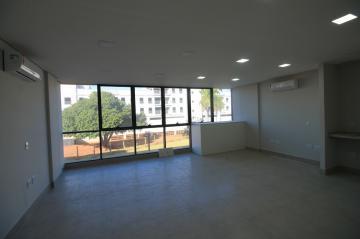 Comercial / Sala/Loja Condomínio em São José do Rio Preto Alugar por R$2.200,00