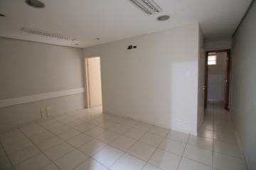Comercial / Sala/Loja Condomínio em São José do Rio Preto Alugar por R$900,00