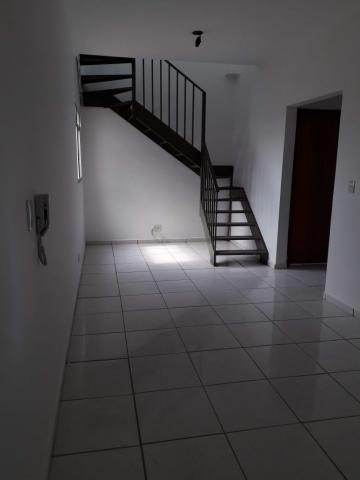 Alugar Apartamento / Cobertura em Pindorama. apenas R$ 160.000,00
