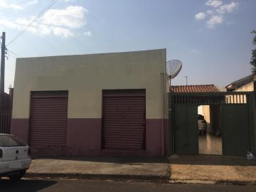 Alugar Casa / Padrão em Mirassol. apenas R$ 1.600,00