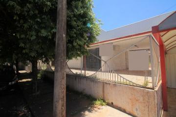 Alugar Comercial / Casa em São José do Rio Preto. apenas R$ 4.000,00