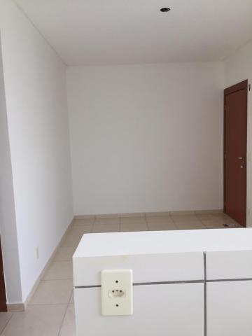 Apartamento / Padrão em São José do Rio Preto Alugar por R$850,00