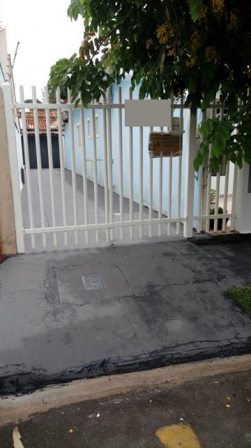 Casa / Padrão em São José do Rio Preto Alugar por R$700,00