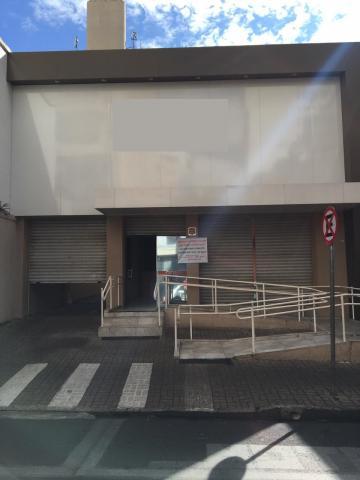 Comercial / Casa em São José do Rio Preto Alugar por R$8.000,00