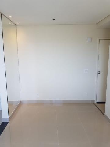 Apartamento / Padrão em São José do Rio Preto Alugar por R$610,00