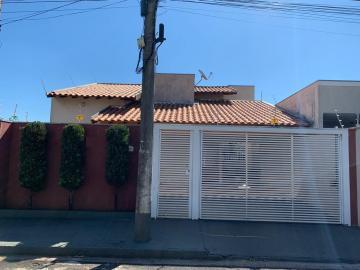 Casa / Padrão em Mirassol , Comprar por R$260.000,00