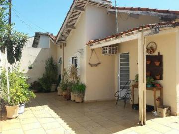 Casa / Padrão em Mirassol , Comprar por R$210.000,00