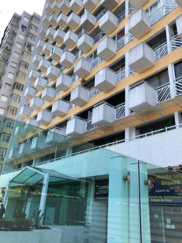Alugar Apartamento / Padrão em Santos. apenas R$ 650.000,00