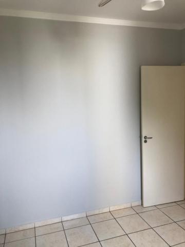 Alugar Apartamento / Padrão em São José do Rio Preto R$ 750,00 - Foto 8