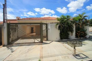 Alugar Casa / Padrão em São José do Rio Preto. apenas R$ 1.600,00